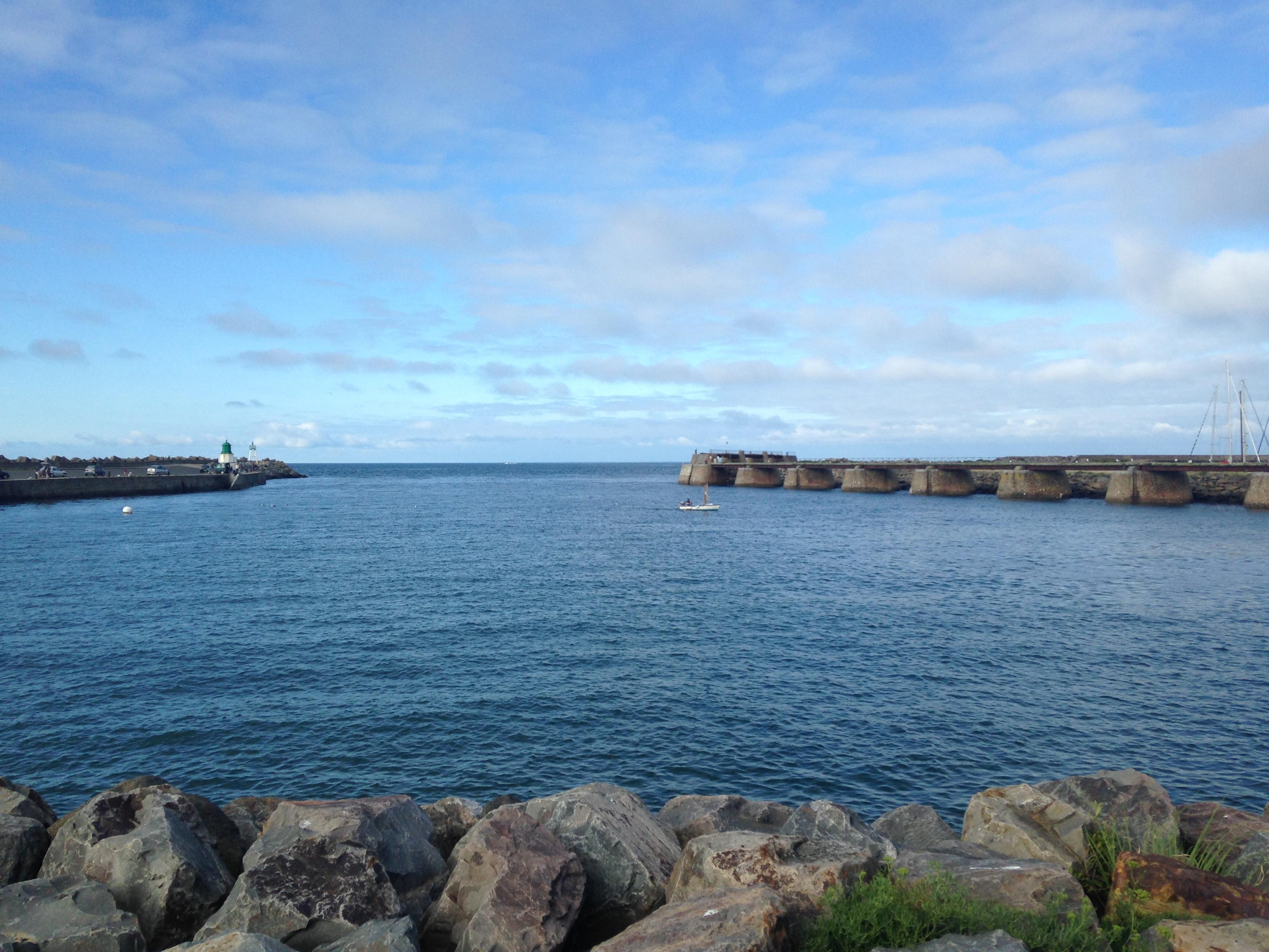 l'entrée du port de l'ile d'yeu